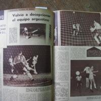 http://animales.rwanysibaja.com/thesis_photos/CirculoPeriodistas/MundoDeportivo/19560209_p4-5.JPG